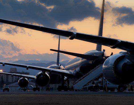 Самолеты Лоукостеры На Стоянке Полет