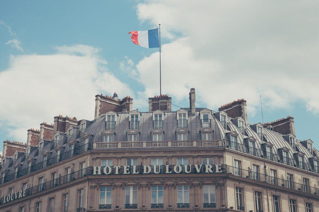 Здание Отель Париж Лувр Classic Архитектуры Традиционных