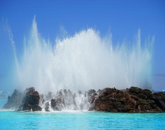 Канарские острова Канары море фонтан скалы
