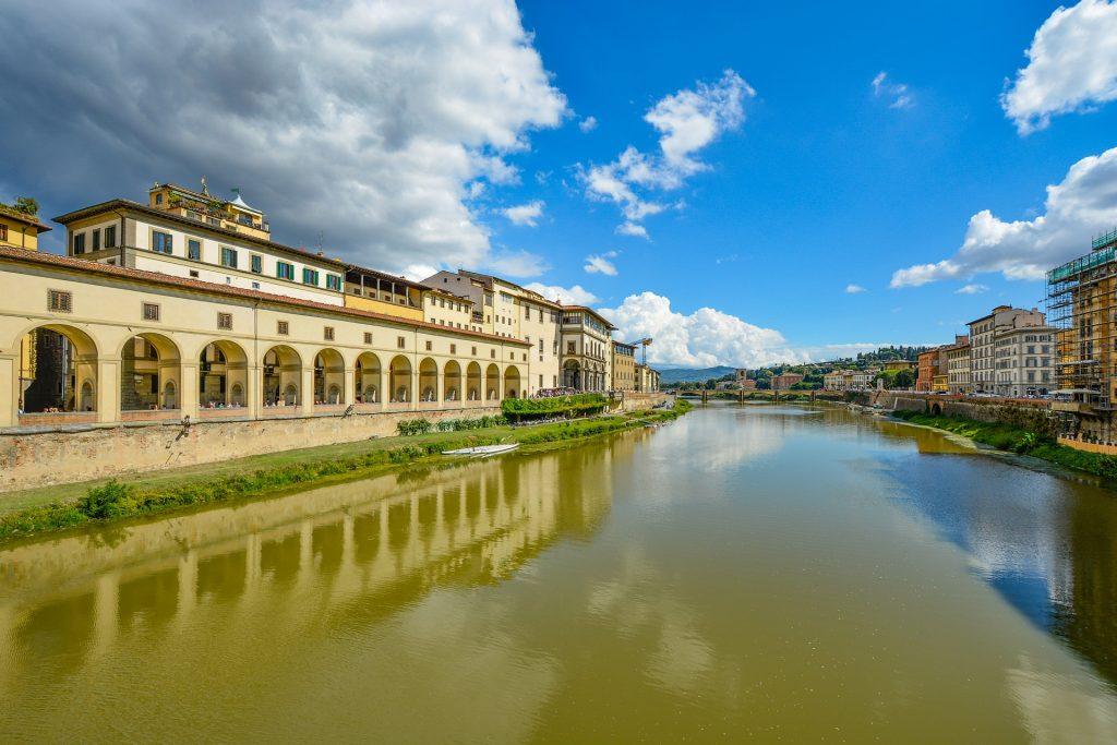 Италия Река Арно Уффици Небо Флоренция Город