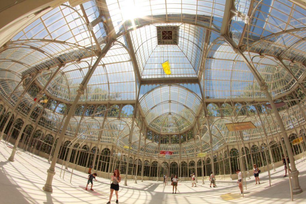 Хрустальный дворец Мадрид Испания Вид внутри