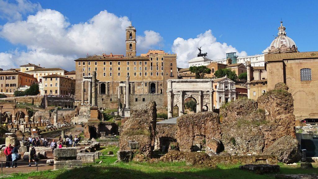Италия Рим Здании Старинной Столбовой Роман Римский форум внутри