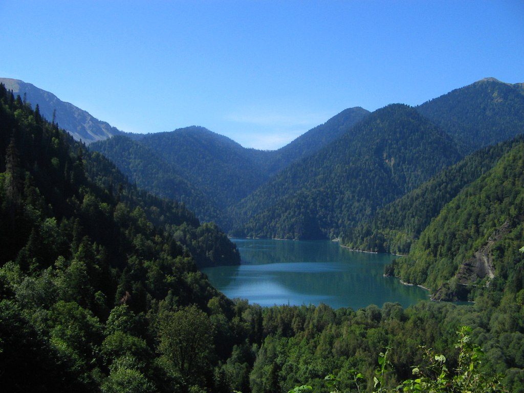 Озеро Рица Абхазия: что посмотреть в сочи и окрестностях самостоятельно