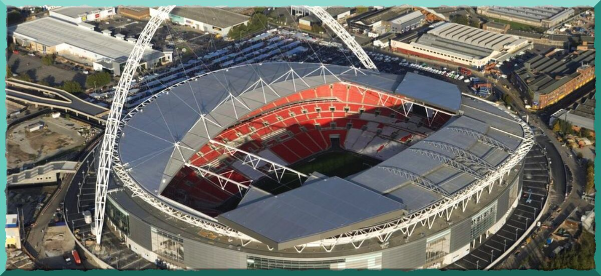 знаменитые футбольные стадионы